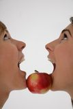 äppleflickor två Arkivfoto