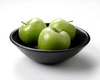 äpplen bowlar green Fotografering för Bildbyråer