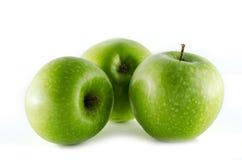 Äpplen för farmorsmed som isoleras på vit bakgrund Arkivfoton