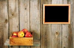 Äpplen i en boxas Royaltyfria Bilder