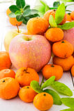 Äpplen och apelsiner Royaltyfria Bilder