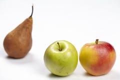 Äpplen och ett päron Arkivbilder