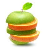 Äpplen och orange frukt Arkivfoto