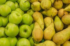 Äpplen och päron Royaltyfri Fotografi