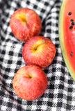Äpplen och vattenmelon Royaltyfria Foton
