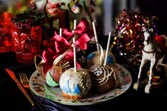 Äpplen på en pinne i det nya året Royaltyfri Foto