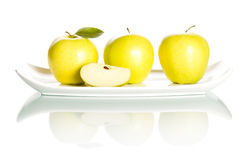 Äpplen på vit bakgrund. Royaltyfria Foton