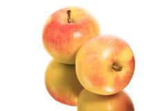 äpplen två fotografering för bildbyråer