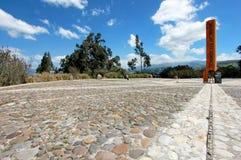 Äquator-Linie Monument, Kennzeichen durch die der Punkt der Äquator überschreitet, Cayambe, Ecuador lizenzfreies stockbild