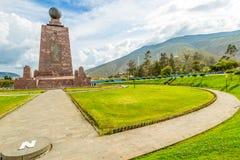 Äquator-Monument in Quito Ecuador stockbilder