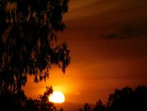 Äquator-Sonnenaufgang stockfotografie