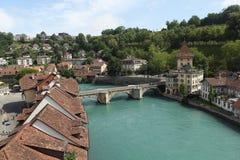 Är överbryggar Bern.Vid på och Untertorbrücke. Royaltyfria Foton