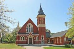 Är den förena kyrkan för St Arnauds en viktoriansk gotisk utformad kyrka som konstrueras i 1875 Söndagsskolakorridoren byggdes i  arkivfoton