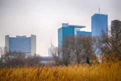 Är den sedda Wien internationella mitten Donaupark Fotografering för Bildbyråer
