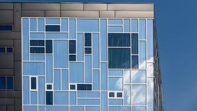 Är den utövande akademin för byggnad delen av det Wien universitetet av nationalekonomi och affären Fotografering för Bildbyråer