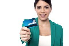 Är här din nya kreditkort! Royaltyfria Foton