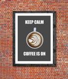 Är lugna kaffe för uppehället på skriftligt i bildram Royaltyfri Bild