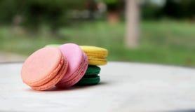 Är mång- färgrikt för franska makron läckert Arkivbild