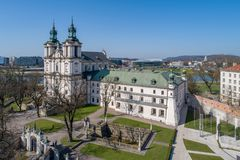 1079 är också för boleslausjordfästningen för bishopen den feta för krakow för konungen kyrkan skilda berömda historiska dödade f Arkivbild