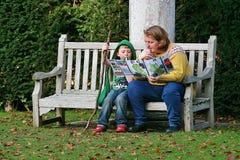 Är vi den borttappade mamman Cambridge Oktober 2015 royaltyfri foto