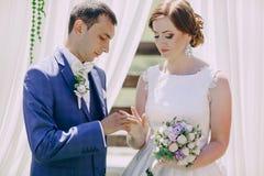 Ärke- bröllopceremoni Fotografering för Bildbyråer