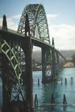 Ärke- bro över floden Fotografering för Bildbyråer