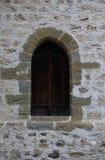 Ärke- fönster av den medeltida slotten Royaltyfria Bilder