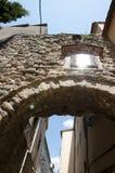 Ärke- passage - Besalu - Spanien Royaltyfria Bilder