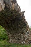 Ärke- stor stenblock välva sig bro Royaltyfri Foto