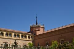 Ärkebiskop Building Of Alcala De Henares Front Facade Arkitekturlopphistoria arkivbild