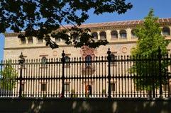 Ärkebiskop Building Of Alcala De Henares Front Facade Arkitekturlopphistoria royaltyfri foto