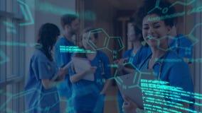 Ärzteteamsitzung mit glühenden Daten und Diagrammen stock video footage