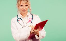 Ärztin bestimmen Patienten Lizenzfreie Stockfotografie