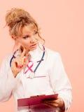 Ärztin bestimmen Patienten Lizenzfreie Stockfotos