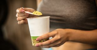Äta endast sunda foods royaltyfria foton