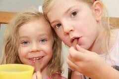Äta för flickor Arkivfoton