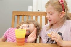 Äta för flickor Arkivbild