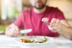 Äta för man Royaltyfri Fotografi