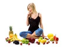 äta frukt till vad Royaltyfri Foto