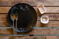Äta fullständigt och hade ingenting som är kvarlämnat mycket bra meny av resen Arkivfoto