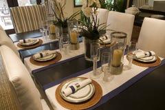 äta middag home lyxig lokal Royaltyfri Foto