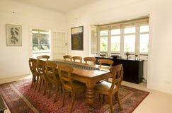 äta middag huslokal för land arkivfoton
