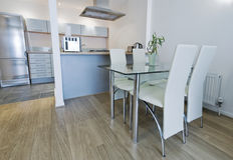 äta middag köksbord Fotografering för Bildbyråer