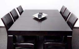 äta middag modern tabell Arkivbilder