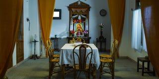 Äta middag område i vardagsrummet, modern vardagsrum royaltyfri bild