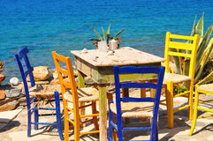 Äta middag område med havssikter royaltyfri foto