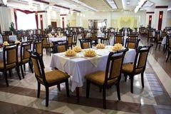 äta middag restaurangtabell Fotografering för Bildbyråer