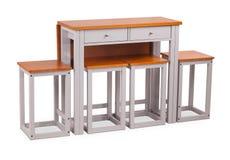 Äta middag tabell för brun träfyrkant med fyra stolar, stol Modern formgivare, äta middag tabeller och stol som isoleras på vit b royaltyfria foton