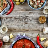 Äta middag tabellen med en variation av mål Royaltyfria Bilder