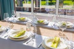 Äta middag tabellinställningen royaltyfria bilder